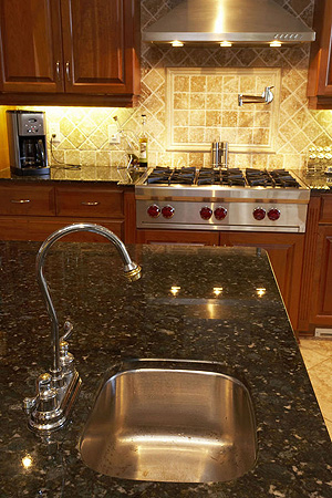 what are the differences between marble counters and granite countertops